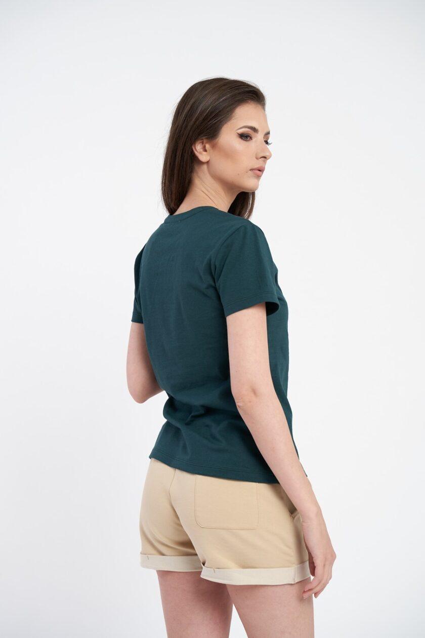 Tricou damă verde, din bumbac moale, cu decolteu în v și croială dreaptă la bază.